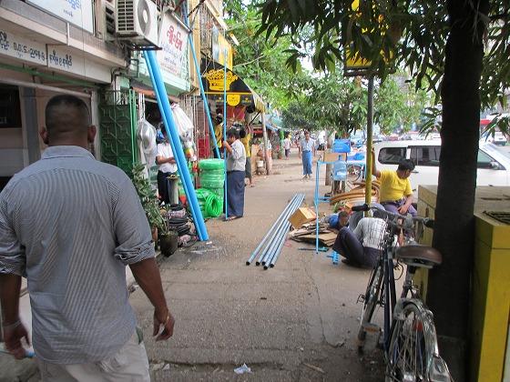 ミャンマー ヤンゴン 中古車 輸出 輸入 トミーモータース ランクル 3 二日目_b0127002_19354814.jpg