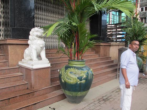 ミャンマー ヤンゴン 中古車 輸出 輸入 トミーモータース ランクル 3 二日目_b0127002_19374130.jpg