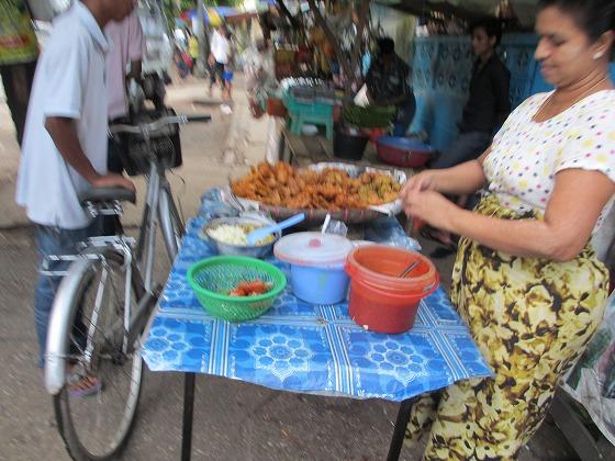 ミャンマー ヤンゴン 中古車 輸出 輸入 トミーモータース ランクル 3 二日目_b0127002_1943519.jpg