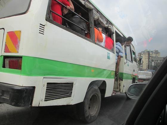 ミャンマー ヤンゴン 中古車 輸出 輸入 トミーモータース ランクル 3 二日目_b0127002_1963040.jpg