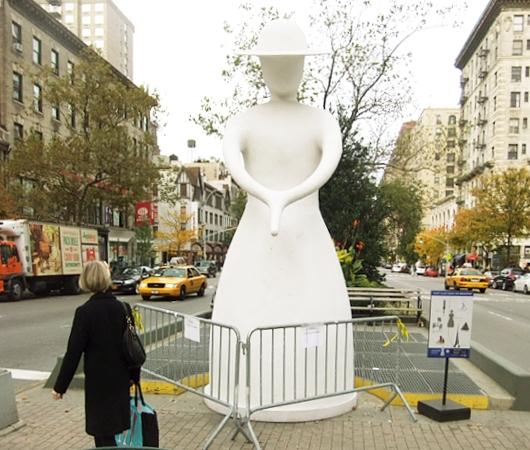 NYブロードウェイの57~157丁目間でパブリック・アート展 Saint Clair Cemin on Broadway_b0007805_2320592.jpg
