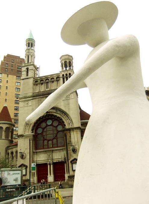 NYブロードウェイの57~157丁目間でパブリック・アート展 Saint Clair Cemin on Broadway_b0007805_2321919.jpg