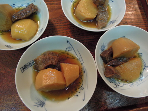 里芋と牛肉の煮物塩麹で味付け_e0116211_12505231.jpg