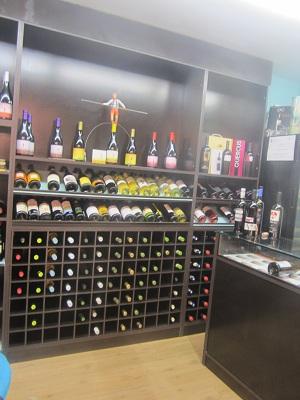 La Paz市場のワイン屋_e0120938_2046026.jpg