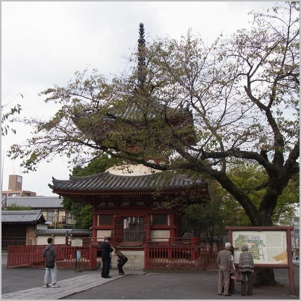 毎年恒例の川越は喜多院の羅漢さんを描きに行く。_a0086270_19101690.jpg