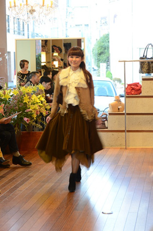 yokoaunty 2012 AW fashion party★_e0275122_1593530.jpg