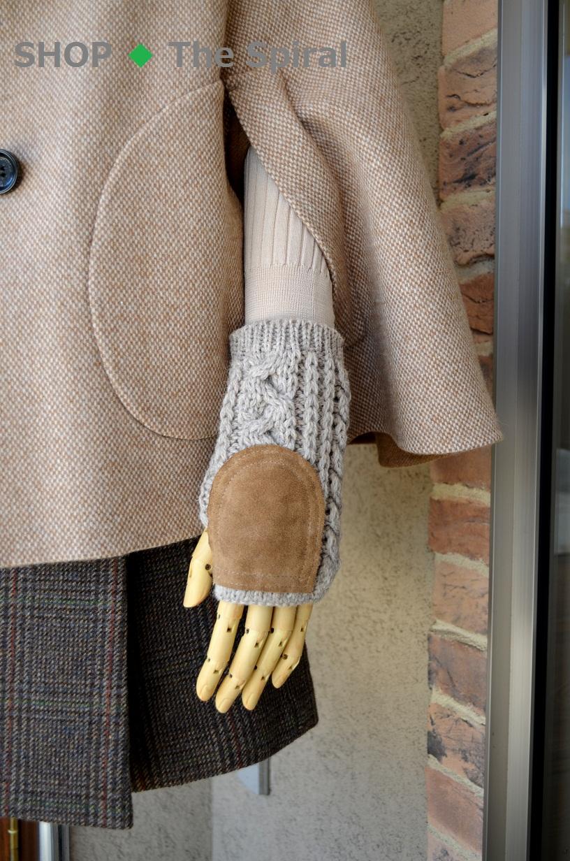 """""""マントコートに指無し手袋""""_d0153941_12154286.jpg"""