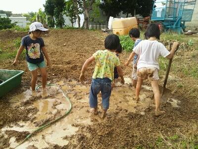 泥んこ遊びデイ_e0131462_6414220.jpg