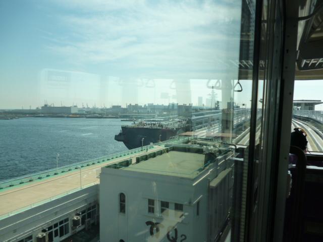 護衛艦「ひゅが」見学の記_c0061686_65742.jpg