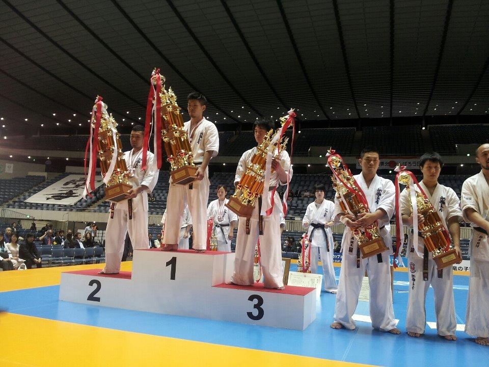 第44回オープントーナメント全日本空手道選手権大会。「史上初の兄弟決勝戦対決!!」_c0186691_12431411.jpg