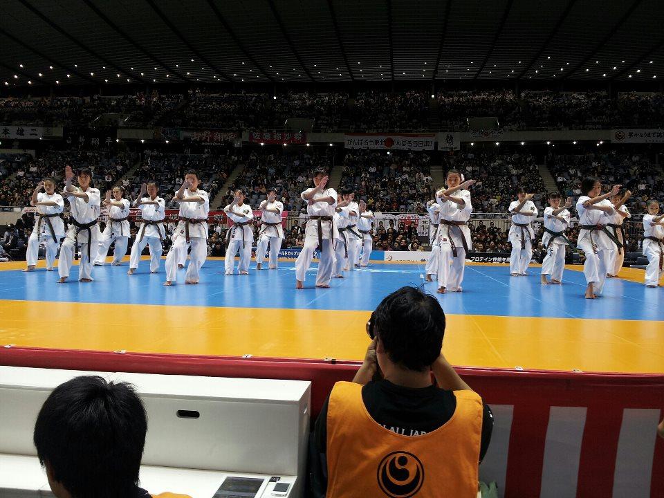 第44回オープントーナメント全日本空手道選手権大会。「史上初の兄弟決勝戦対決!!」_c0186691_12434926.jpg