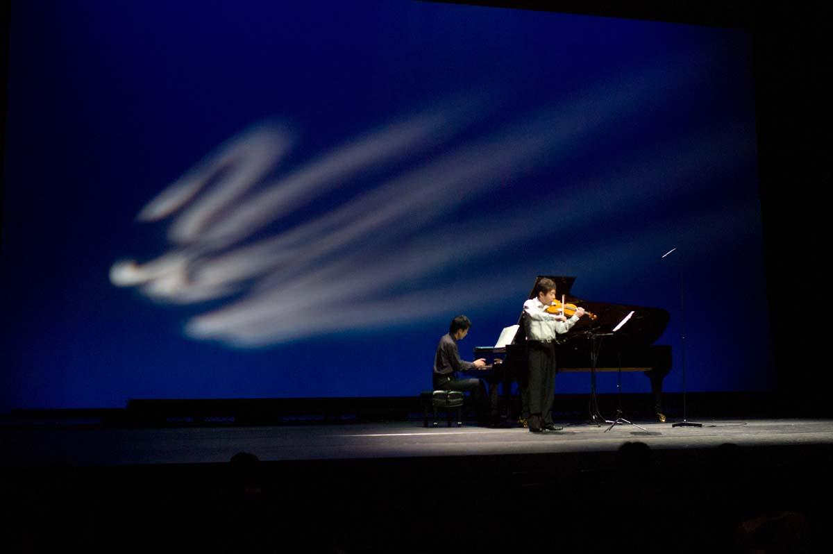 震災のヴァイオリンを聴いた夜_a0271402_1624195.jpg