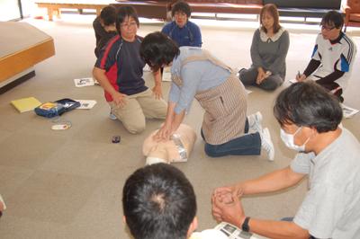 10/29心肺蘇生術の職員研修を行いました。_a0154110_8491967.jpg