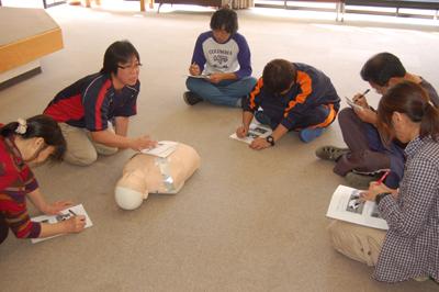 10/29心肺蘇生術の職員研修を行いました。_a0154110_8492949.jpg