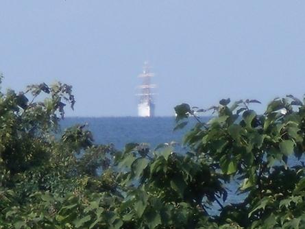 燧灘に 帆船 海王丸  _b0186205_936265.jpg