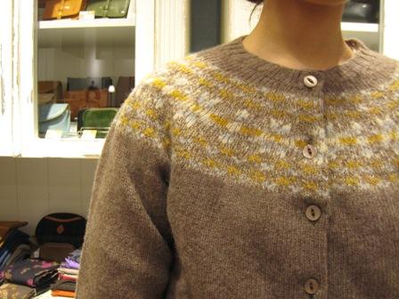 この冬も編みこみニットが着たいですね。_c0227633_22175125.jpg