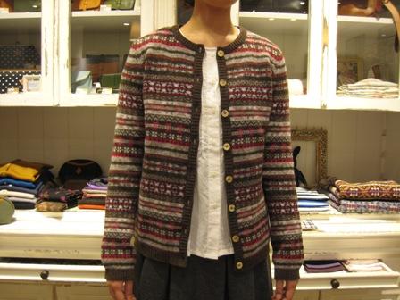 この冬も編みこみニットが着たいですね。_c0227633_22295166.jpg