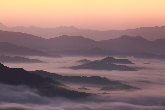 来日岳の雲海_a0294534_21351898.jpg