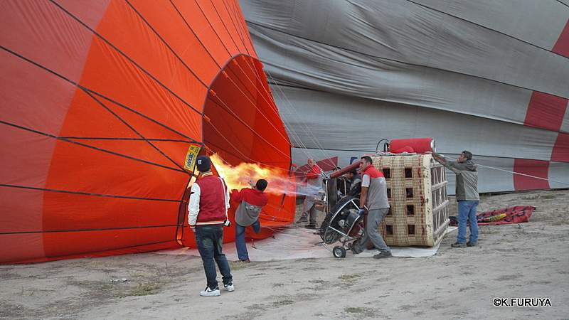 トルコ旅行記 16 感動の気球体験!_a0092659_18132664.jpg