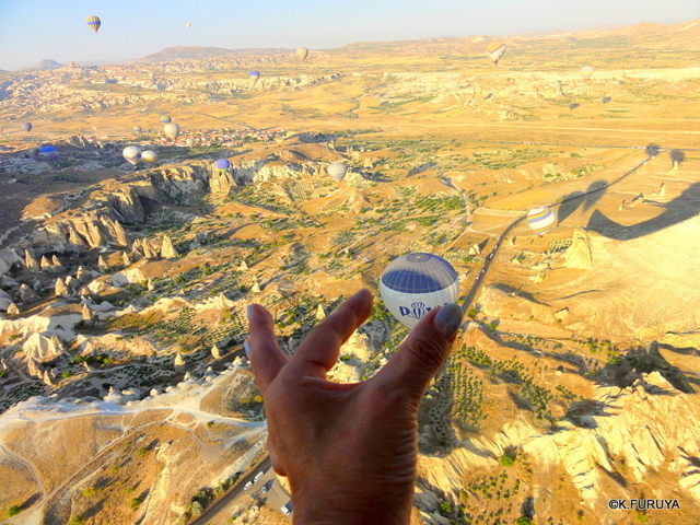 トルコ旅行記 16 感動の気球体験!_a0092659_19554179.jpg