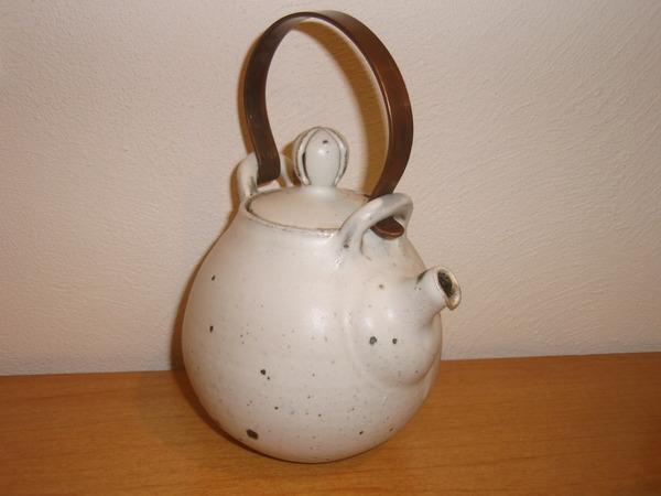 山田隆太郎さんの土瓶とゆのみ_b0132442_18505655.jpg