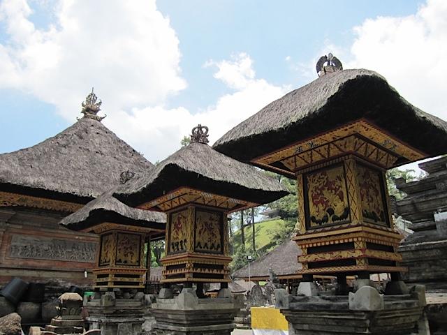 ティルタエンプル寺院_d0106242_17425196.jpg