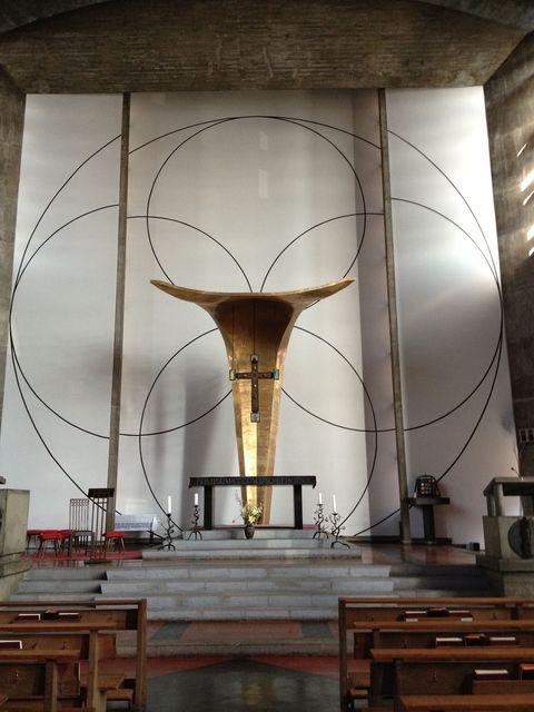 聖アンセルモ目黒教会│レーモンドの教会建築 その2_b0274159_2313225.jpg