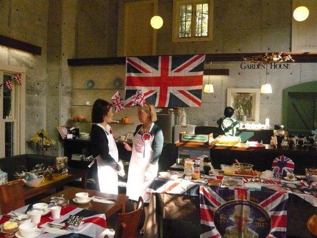 宮崎市英国庭園にキャロン来ちゃいました!!_b0137969_19384589.jpg