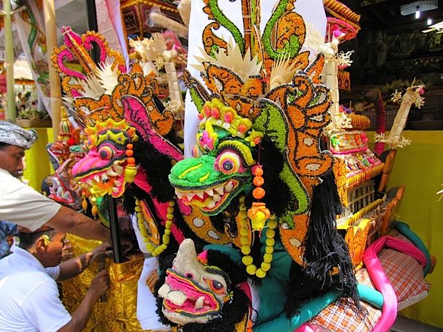 バリ寺院のお祭り_d0106242_21202422.jpg