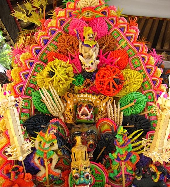 バリ寺院のお祭り_d0106242_2121977.jpg