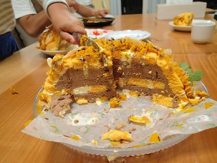 レンジ醤油糀の牛煮弁当と息子誕生日ケーキ_b0171098_8301151.jpg