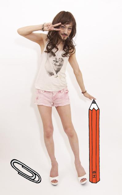 きょうは文具の日だって。大きな鉛筆でシュシュっと.._d0119642_1354151.jpg