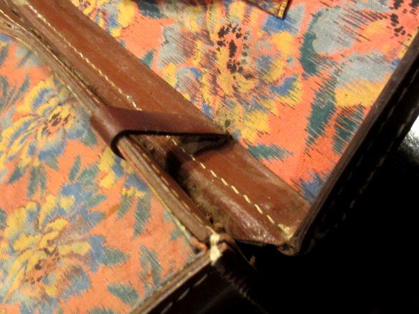 革製トランク4                  _f0112550_21132634.jpg