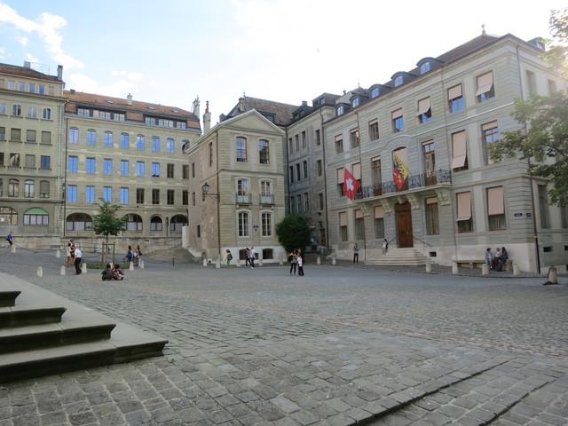 ジュネーブの旧市街2_e0233674_173445100.jpg