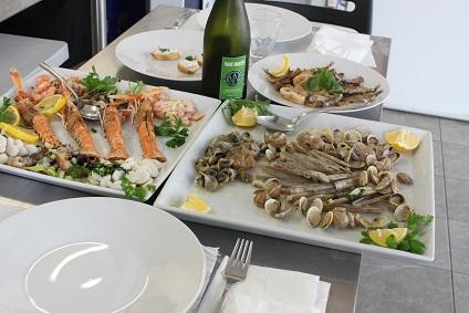ヴェネチアの家庭料理① イカの墨煮など☆_a0154793_12271214.jpg