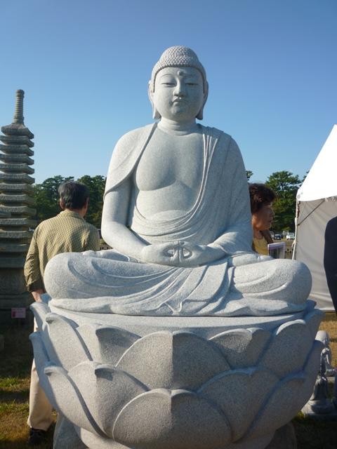 ストーンフェア2012③ ~仏像と石碑~_e0118846_54274.jpg