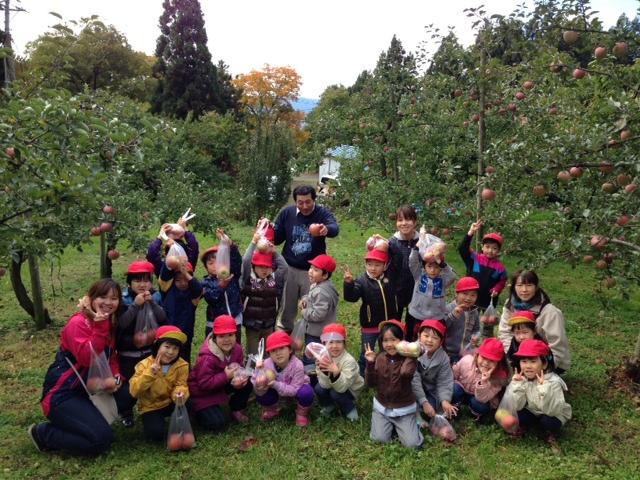 りんご狩り_f0165190_1344841.jpg