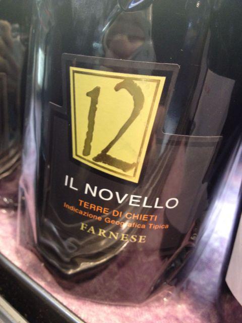 """イタリア新酒ワイン\""""ファルネーゼ .ヴィーノ.ノヴェッロ. テッレ. デイ .キエティ\""""こちらは定番でご用意しております♪_c0069047_21274846.jpg"""