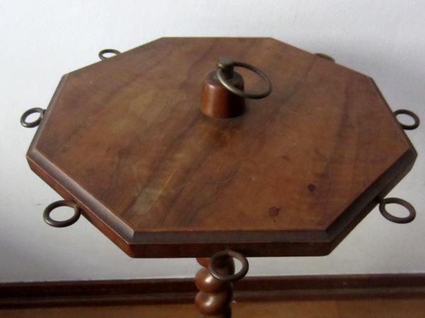 木製六角小テーブル   半額      _f0112550_1595215.jpg