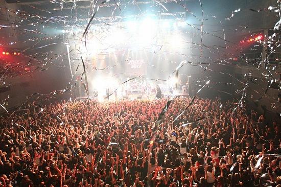 【JROCK EVOLUTION 2012】ファイナル公演レポート!2013年も開催決定_e0197970_19233827.jpg
