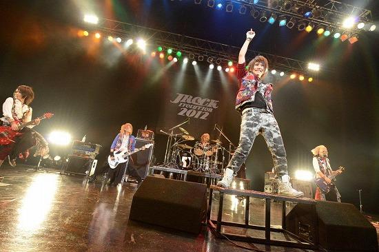 【JROCK EVOLUTION 2012】ファイナル公演レポート!2013年も開催決定_e0197970_1924652.jpg