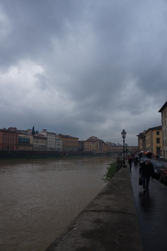 46年前のフィレンツェノ洪水の話_f0106597_355163.jpg