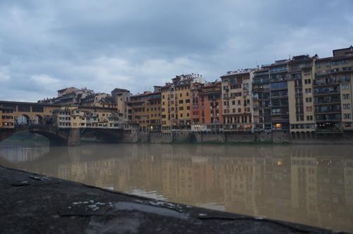 46年前のフィレンツェノ洪水の話_f0106597_3565334.jpg
