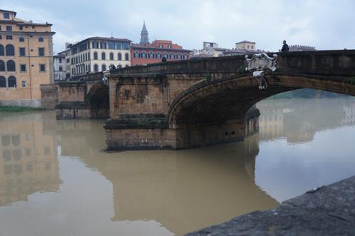 46年前のフィレンツェノ洪水の話_f0106597_3581033.jpg