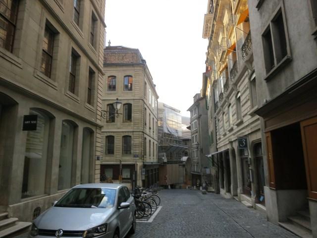 ジュネーブ旧市街のギャラリー_e0233674_1839460.jpg