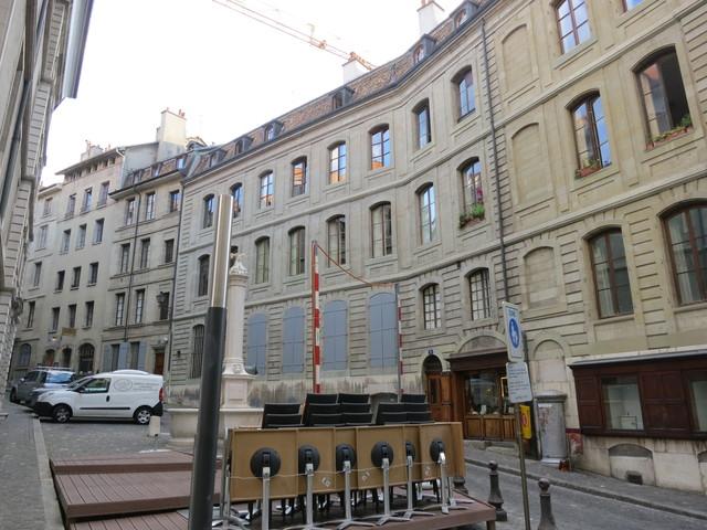 ジュネーブ旧市街のギャラリー_e0233674_18422381.jpg