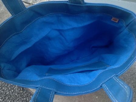 青くて丈夫な帆布で作ったトートバッグ_c0160822_16412136.jpg