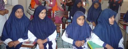 パキスタンでの女子教育_f0112655_23514317.jpg