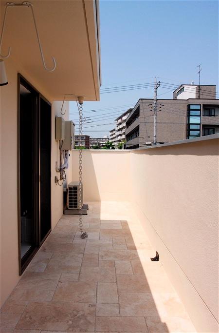 「鶴ヶ島の家」テラスのあるお風呂_f0230666_1382522.jpg