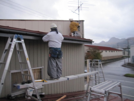 屋根修繕_e0277474_21583571.jpg